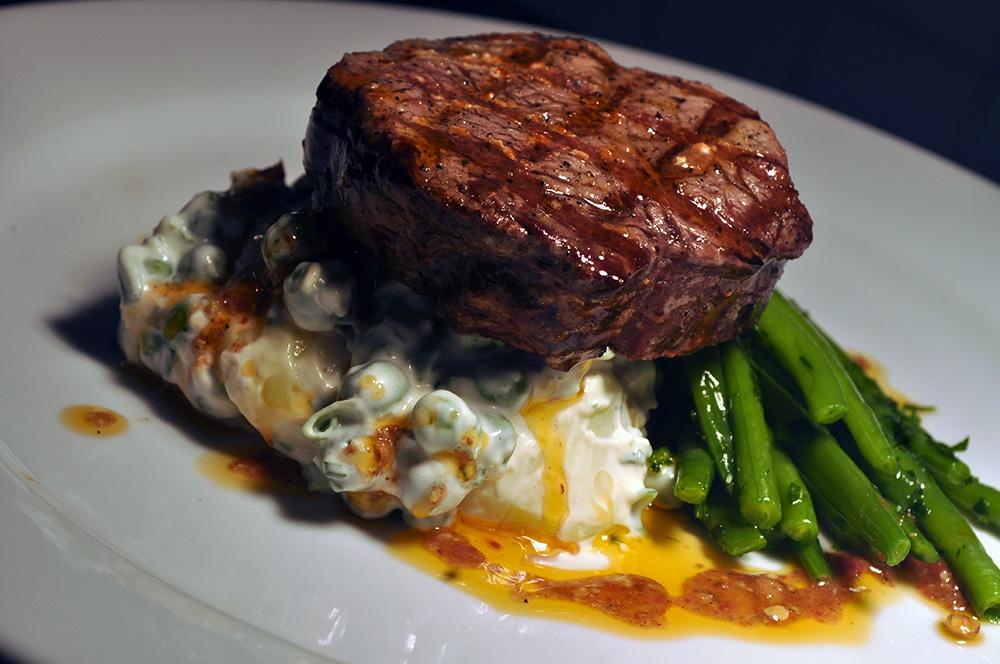 steak steak tenderloin in a pink grilled pink peppercorn steak beef ...